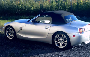 BMW Z4 3.0i in excellent shape with new MVI