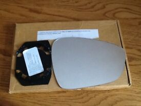 Replacement heated glass mirror for Citroen DS3 drivers side