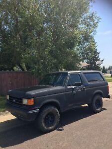 1990 Ford Bronco XLT 4x4 MUST GO ASAP