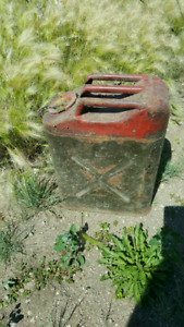 ARMY GAS CANS