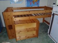 Stompa cabin bed/mid sleeper with desk