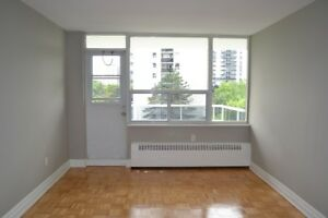 Bachelor Utilities Included! 5 minute walk to Davisville station