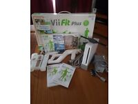 Nintendow Wii Console/ Wii Fit