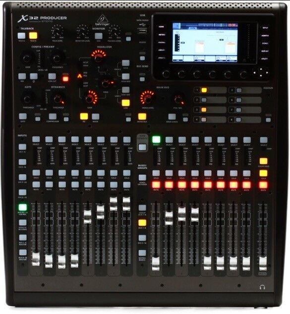 Sound engineer with digital console for rent (behringer X32)