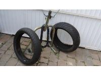 tyres/lock/padock stand