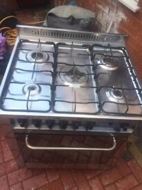 5 BURNER COOKER GAS PERFECT WORKING ORDER