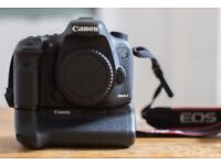 Canon EOS 7D Mark II DSLR Camera With battery grip (BGE16) Good Condition.