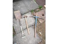Sledge hammer / spade / pick hammer