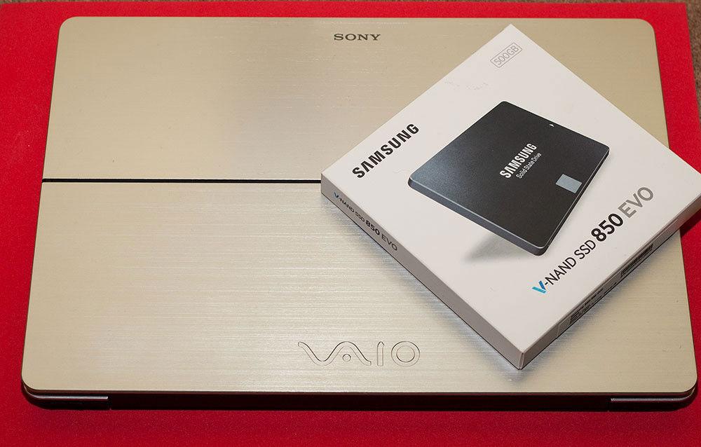 Sony Vaio Multi Flip 13, laptop turns to tablet. Very portable