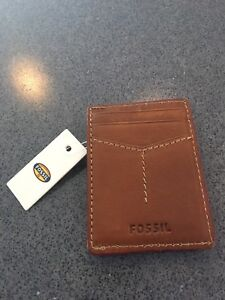 New Fossil Leather Wallet / Money Clip