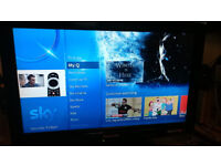 Panasonic TX-L26C10B 26-inch Widescreen HD Ready LCD TV with Freeview