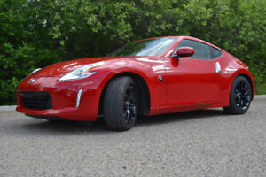 2017 Nissan 370Z Coupe (2 door)