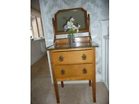 Small Victorian dressing table