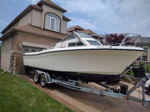 *PRICE REDUCED for fast sale* Grady White 241 Weekender