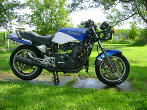 COLLECTABLE 1984 KAWASAKI GPZ ZX900 NINJA- FOR SALE