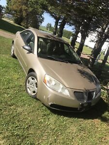 2007 Pontiac g6 4dr 200km LOOKING FOR OFFERS