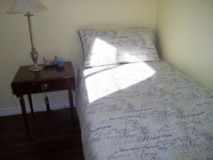 Room very close to college ( 6-7  MINUTE Walk)