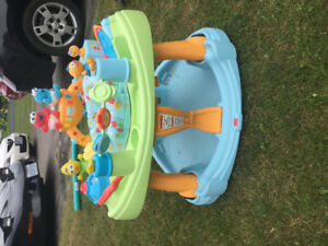 Sesame Street play and stand saucer