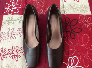Woman's Naturalizer Dress Shoes