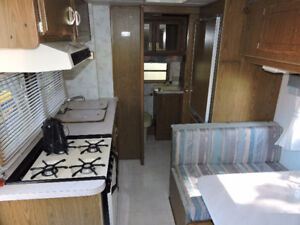 5th wheel holiday trailer for sale