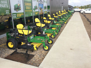 JOHN DEERE RIDING MOWER AND ZERO TURN CLEARANCE SALE