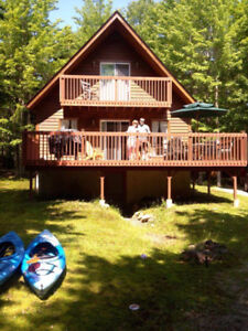 Beautiful Sherbrooke Lake Chalet - Lunenburg