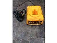 Dewalt 18 volt battery charger DE 9116
