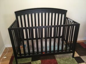 3-in-1 crib and matching change table