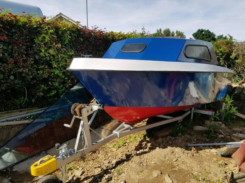 18 foot cabin boat