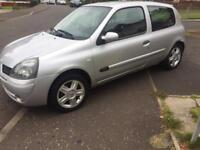56 reg Clio 1.2 campus sport low miles 84k cheap to insure ideal first car!!!