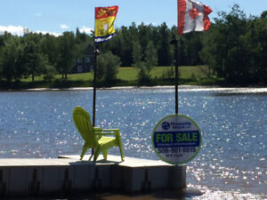 Water Front - 2 Acres - Custom Built Home - Shediac River
