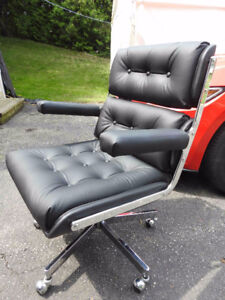 vintage modern Eames style Executive swivel office chair REDUCED