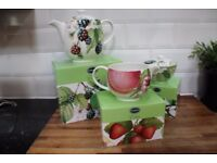 PORTMEIRION EDEN FRUITS 2 PINT TEAPOT SUGAR BOWL AND JUG NEW AND BOXED