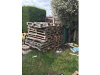 Various pallets - Approx 25