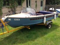1960's Classic Design Wooden Vintage Retro Day Launch Boat with Road Trailer