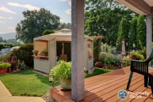 Upgraded, Private Oasis, Close To Everything, Extras Included!