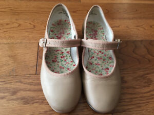 Very nice condition dance shoes for girl