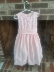Beautiful Size 6 Pink Girls Dress