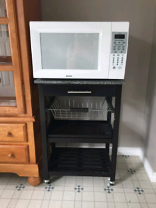 Kenmore microwave and stand