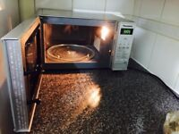 Panasonic Microwave oven - 9 months old - Excellent condition