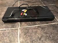 Region 1 / American DVD Player with European Plug