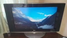 LG 32LX2R TV