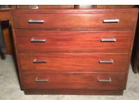 Chest of drawers ideal to upcycle