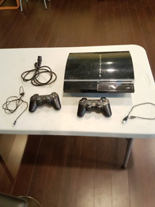 PS3 60Gb backwards compatible with 2 controllers and 19 games