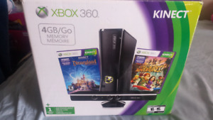 XBOX 360 4GB consloe with kinetics and games.