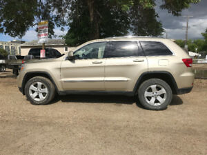 2011 JEEP GRAND CHEROKEE - SUV