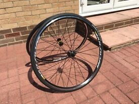 Mavic Aksium C17 11 speed Shimano wheels complete with Michelin Dynamic Sport tyres/tubes - Unused