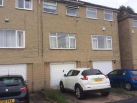 2 Bedroom house,modern,garden,garage,Siddal,Halifax. £450 pcm