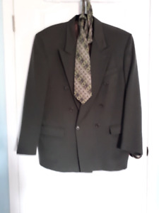 Men's Clothing.  Excellent condition.