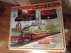 Train électrique Walt disney pour collectionneurs 500$ nego